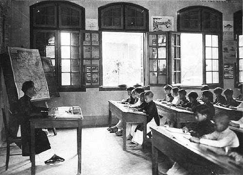 Một lớp học của phong trào Đông Kinh nghĩa thục