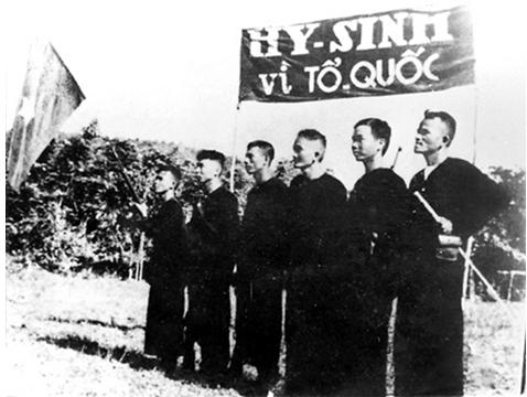 Hình 7: Đội du kích Ba Tơ