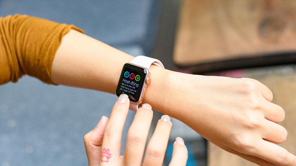 Đồng hồ Apple Watch hiện thị theo dõi hoạt động