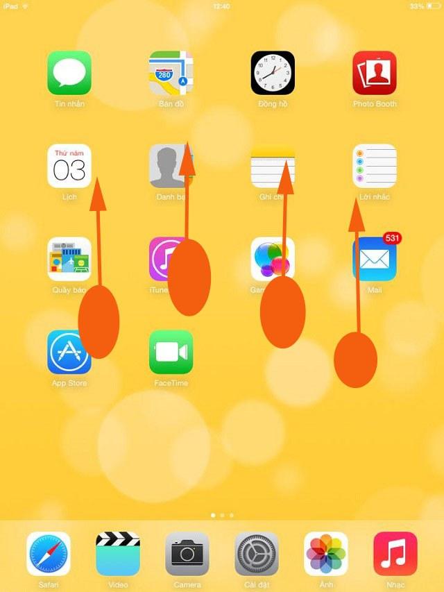 Vuốt 4 ngón tay lên trên để mở trình chuyển đổi ứng dụng